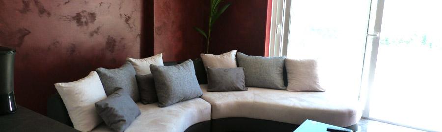 Un salon chaleureux et confortable où vous pourrez contempler le paysage.
